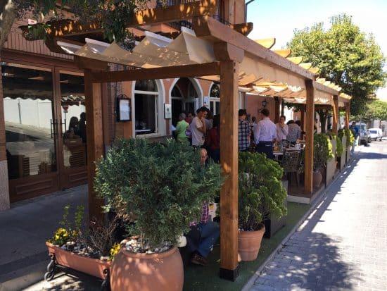 pergolas de madera para restaurantes