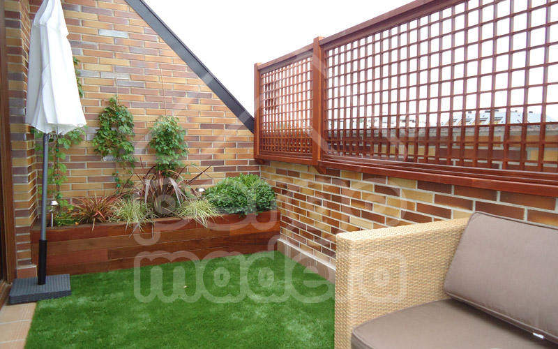 Celosias de madera celos a tico terraza y jard n for Celosia madera jardin