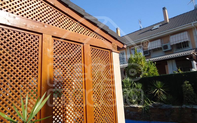 Celosias de madera celos a tico terraza y jard n for Celosias de jardin