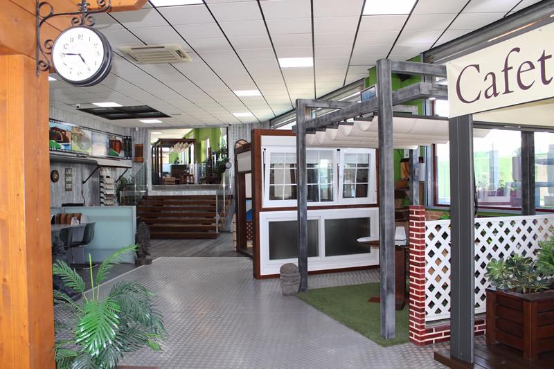 Tienda exposici n y oficinas pergomadera madrid for Oficinas centrales mercadona madrid