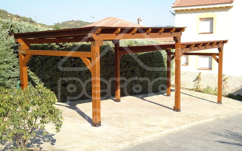 Garajes de madera madrid garaje de madera a medida for Cepos para plazas de garaje