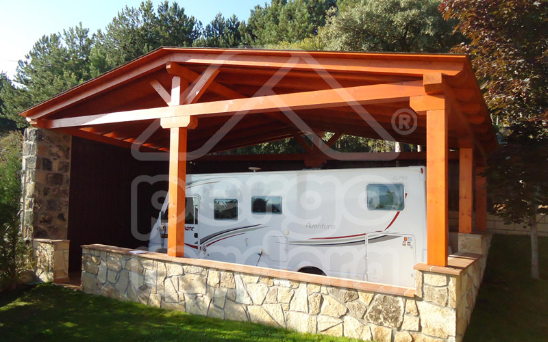 Garages de madera materiales de construcci n para la for Casas en garajes