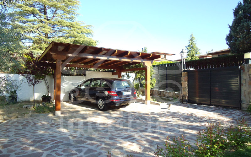 Garajes de madera madrid garaje de madera a medida for Garajes metalicos en bolivia