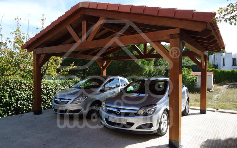 Garajes de madera madrid garaje de madera a medida for Cobertizos prefabricados