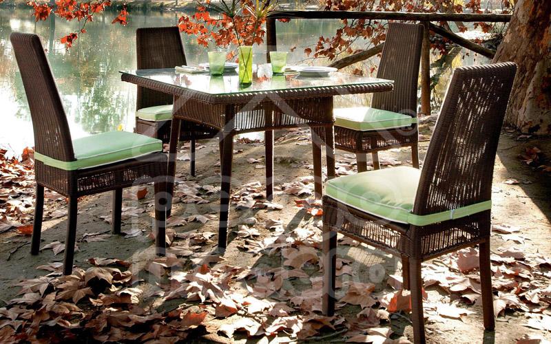 Muebles jard n mobiliario de exterior mesas y sillas en for Mobiliario de jardin de madera
