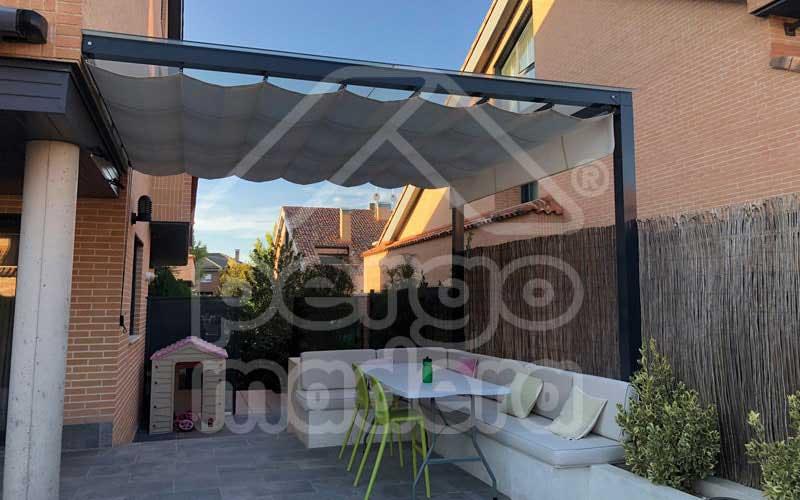 Pergolas de aluminio en madrid a medida con toldos techos - Techos para pergolas de madera ...