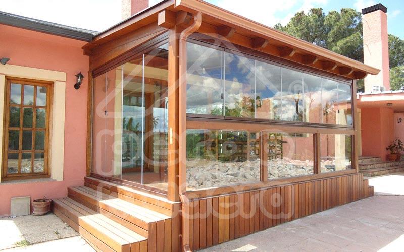 Pergolas de madera acristaladas cerramiento de p rgolas - Porches de aluminio y cristal ...