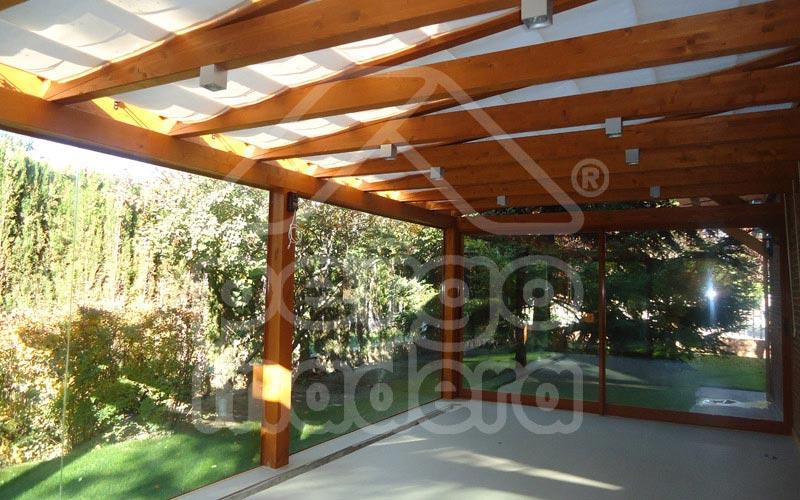 P rgolas acristaladas cerramiento de p rgola con cristal for Tejados y cubiertas de madera