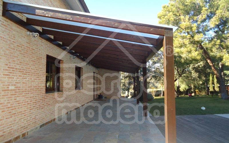 Pergolas acristaladas cerramiento de p rgola con cristal aluminio y pvc cubierta de cristal Pergolas imitacion madera