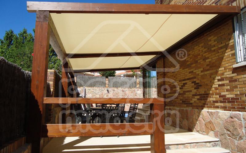 Pergolas de madera pergomadera en madrid for Carpas de madera para jardin