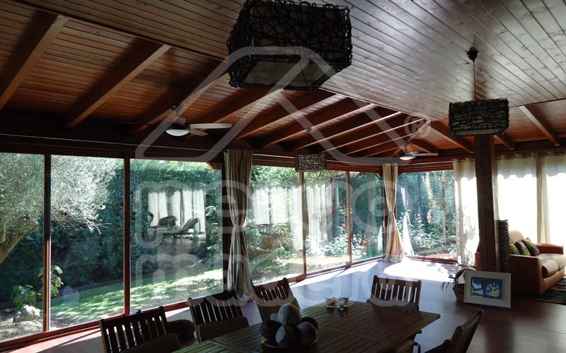 Cerramientos de porches acristalados madrid cerramiento - Porches de madera cerrados ...
