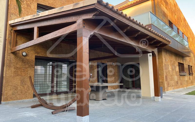 Porches r sticos de madera pictures to pin on pinterest - Porches de madera valencia ...
