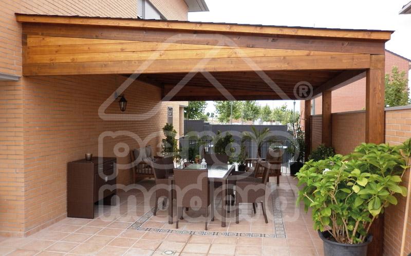 Porches r sticos de madera porche en madera cl sico - Porches con barbacoa ...