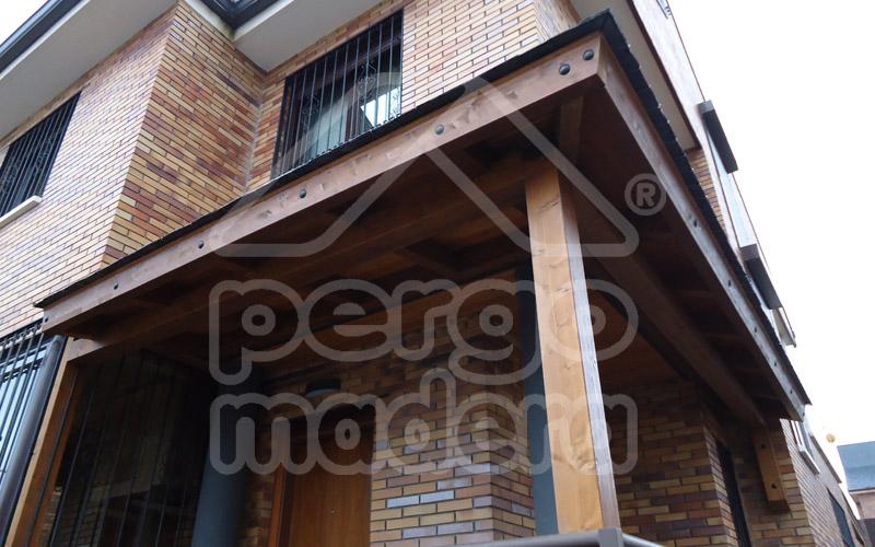 Porches de madera para coches affordable porche de madera acristalado con cristal cortina en - Porches para coches ...