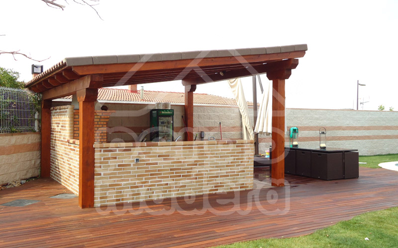 Tarima exterior madrid tarimas tropical pino tratado y - Fotos pergolas de madera ...