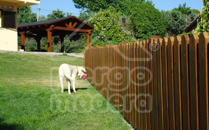 Vallas de madera barandillas de madera para jard n y piscina for Vallas de madera para jardin