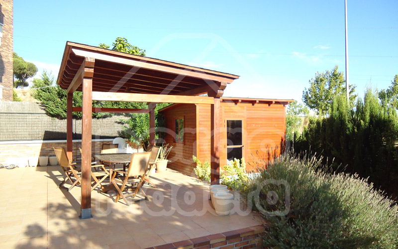 Pergolas y porches en madrid y toda espa a pergomadera for Cenadores de madera para jardin